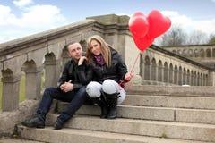 Couples sur des escaliers Image libre de droits