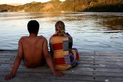 Couples sur la jetée Images libres de droits