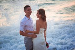 Couples sur la plage Photo stock