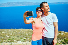 Couples sur la plage de mer Image stock