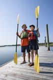 Couples sur le dock. Image stock