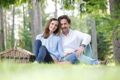 Couples sur le pique-nique Image stock
