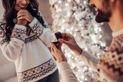 Couples sur le ` s Ève de nouvelle année Photo stock