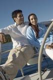 Couples sur le voilier Image libre de droits