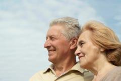 Couples sur un fond de ciel Photos libres de droits