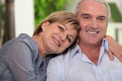 Couples toujours mûrs dans l'amour Images stock