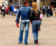 Couples urbains de denim Photographie stock