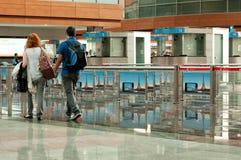 Couples voyageant en avion Photographie stock
