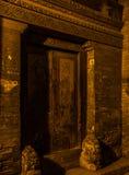 Couplet de montant de porte dans Pékin Photos stock