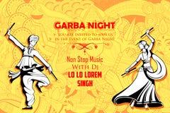 Couplez jouer Dandiya en affiche de Garba Night de disco pour le festival de Navratri Dussehra de l'Inde Photographie stock libre de droits