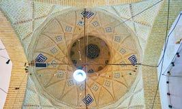 Coupole de bazar couvert dans Yazd photos stock