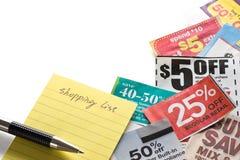Coupons en het winkelen lijst Royalty-vrije Stock Afbeelding