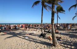 Coupure de ressort sur la plage de Fort Lauderdale, ` où les garçons sont ` Image libre de droits