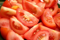 Coupure de tomate Photos stock