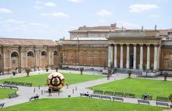 Cour de belvédère à Vatican images stock
