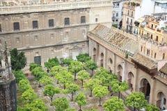 Cour de cathédrale de Séville Photos stock