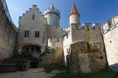 Cour de château de Kokorin, République Tchèque image stock