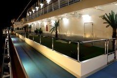 Cour de golf sur la côte Deliziosa de bateau de croisière Images libres de droits