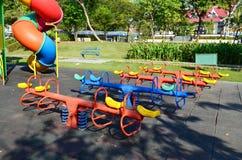 Cour de jeu colorée d'enfants images libres de droits
