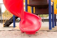 Cour de jeu colorée pour des enfants Photos stock