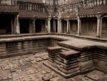 Cour en pierre dans le temple antique Photographie stock