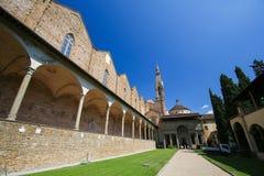 Cour et cloître à la basilique Santa Croce, Florence photographie stock libre de droits