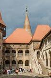 Cour intérieure de palais de château de Corvin Photographie stock libre de droits