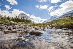 Courant de montagne Image libre de droits