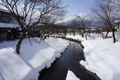 Courant de montagne, Japon images stock