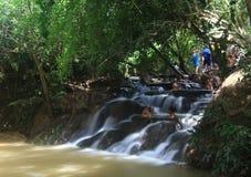 Courant de rivière chez Krabi Thaïlande Photos stock