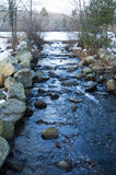 Courant vidangeant l'étang d'épuisement Photos stock