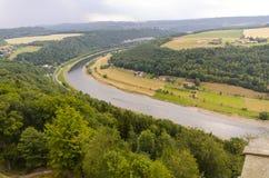 Courbure de rivière dans le schweiz de sechische photos libres de droits