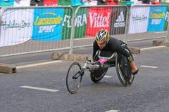 Coureur de marathon de fauteuil roulant Photo stock