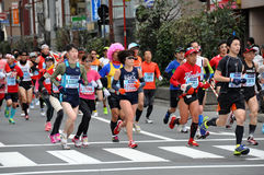 Coureurs au marathon 2014 de Tokyo Image stock