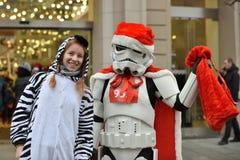 Coureurs sur la course traditionnelle de Noël de Vilnius photos stock