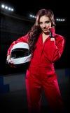 Coureuse karting de jeune fille images stock