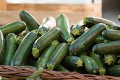 Courgette au marché de l'agriculteur Photo stock