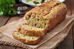 Courgettebrood met kaas Stock Afbeeldingen