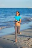 courir de plage photos libres de droits