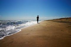 Courir sur la plage images libres de droits