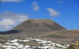 "Couronne éteinte de bâti de ""de volcan». Lanzarote, Îles Canaries. Image stock"