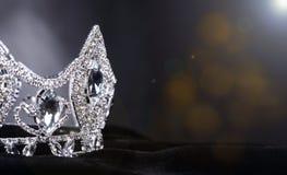 Couronne d'argent de Diamon pour Mlle Pageant Beauty Contest, Crystal Tia photographie stock libre de droits