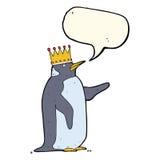 couronne de port de pingouin de bande dessinée avec la bulle de la parole Photos stock