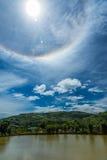 Couronne de Sun sur le ciel bleu Photos libres de droits