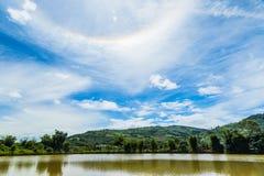 Couronne de Sun sur le ciel bleu Image stock