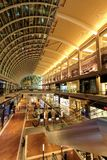 Courrier d'achats à Singapour. BMS Images stock