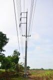 COURRIER de l'ÉLECTRICITÉ ou poteau de service Photo libre de droits