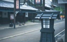 Courrier extérieur décoratif de lumière de lampe photographie stock