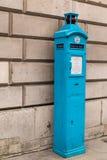 Courrier public d'appel de vieille police dans la ville de Londres photo stock