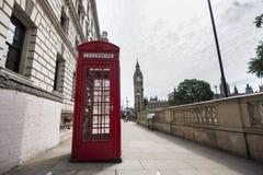 Courrier traditionnel et Big Ben de téléphone image stock